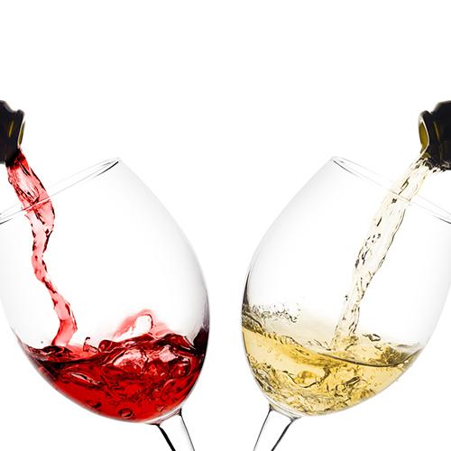 女性に「ワインの赤と白の違いってなに?」と聞かれて即答できる?